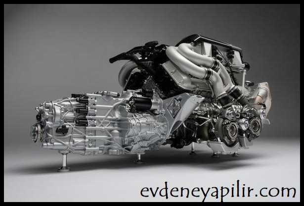 Bugatti Chiron - Motor