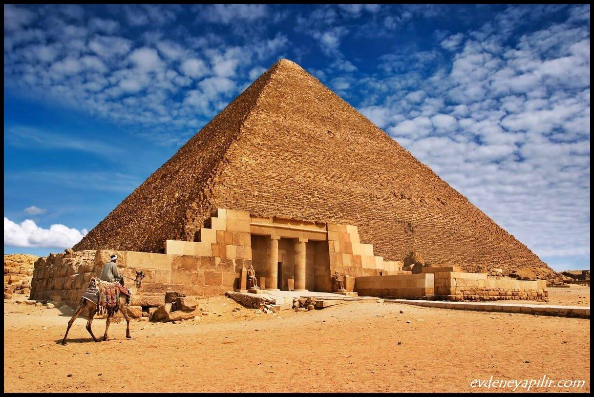 Keops Piramidi - Dünyanın 7 Harikası